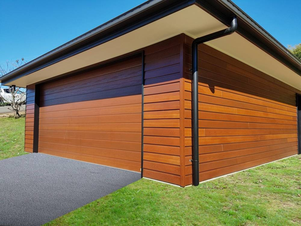 105.1-James-Hardie-cladding-and-BD-panel-door-finished-in-Timbertone-Coastal-Gum.1a6dd7b6f2a02e37eb283d8336b98da3