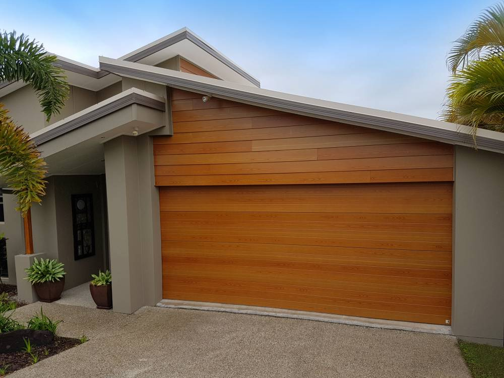 112-Timbertone-Maple-Garage-Door-Fibercement-Cladding.1a6dd7b6f2a02e37eb283d8336b98da3