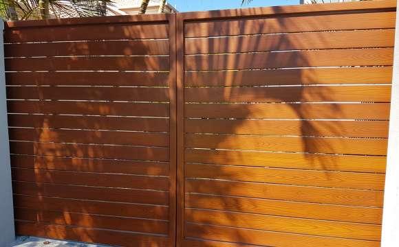 Ally-Gate-002-installed.6405c7d549cae21bdb8692915ed73f3b